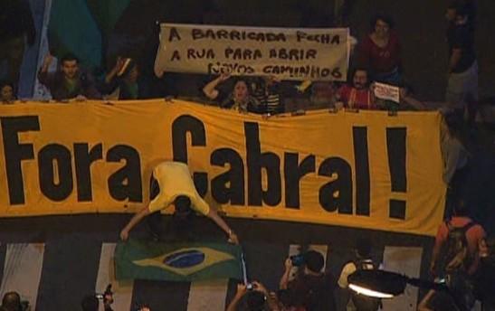 protesto_leblon_barricada